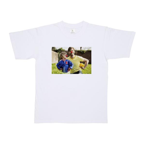 da90aa64822499 foto op wit kinder t-shirt in verschillende maten